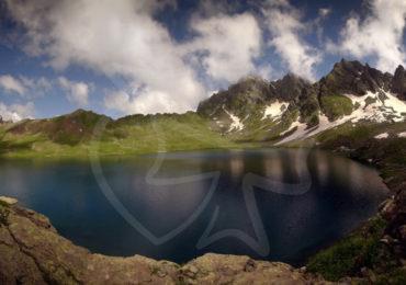 Озеро Абуделаури Хевсурети