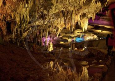 Пещера Прометея -Общая длина маршрутов - около 22 километров, и одних только залов около 17-ти. Из всех километров пещер сейчас доступны только 1420 метров.