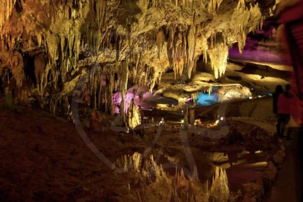 Пещера Прометея -Общая длина маршрутов – около 22 километров, и одних только залов около 17-ти. Из всех километров пещер сейчас доступны только 1420 метров.