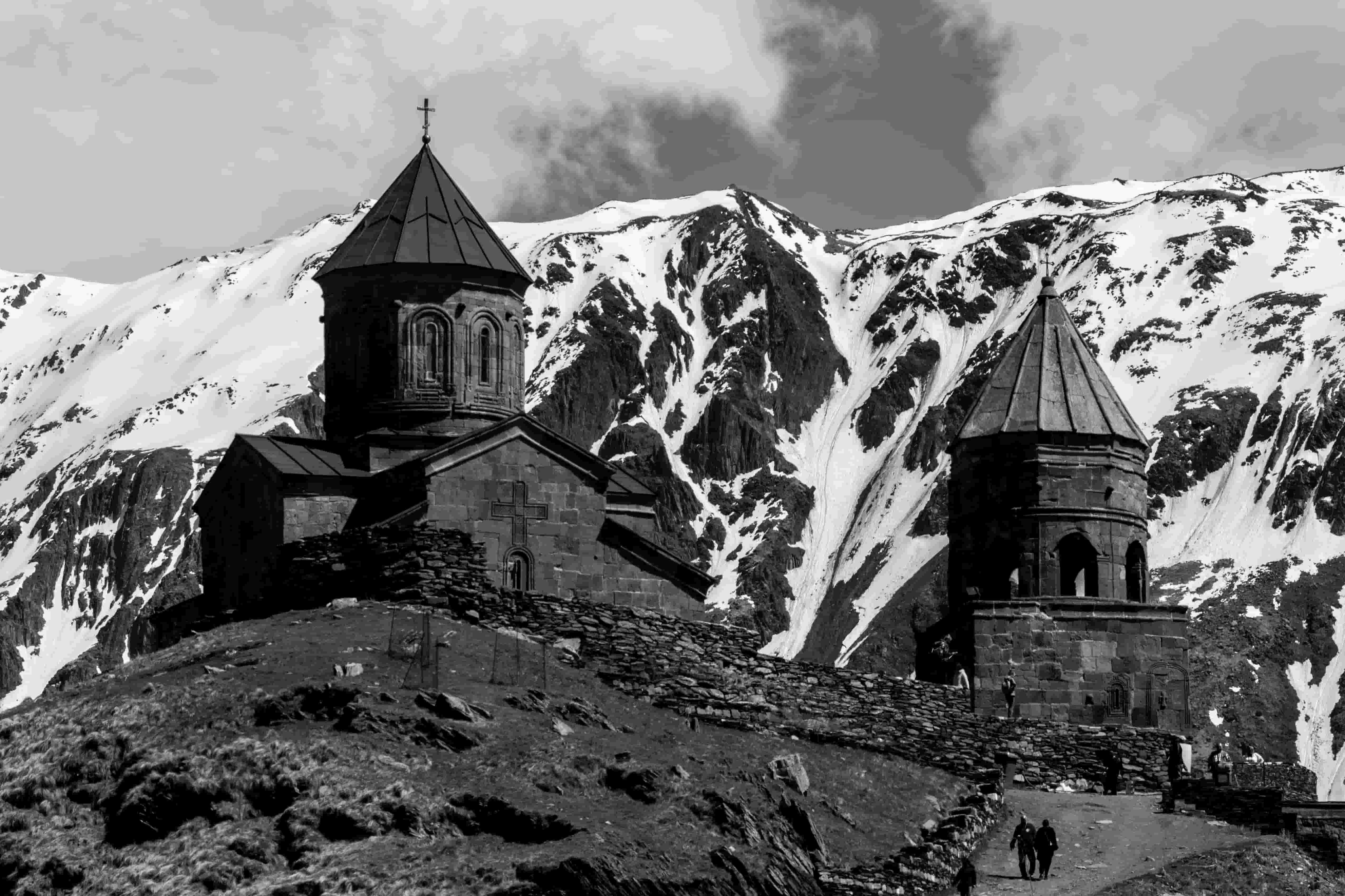 Храм Святой Троицы, Троицкий храм в Гергети, храм в горах Грузии