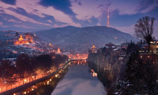 tbilisi_night_metekhi1