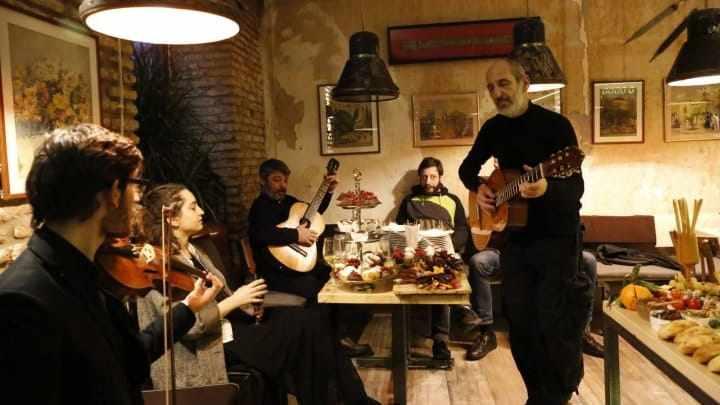 Муза и вино, винный бар в Тбилиси