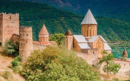Крепость Ананури, однодневные туры в Грузию, экскурсии в Грузию, georgia travel