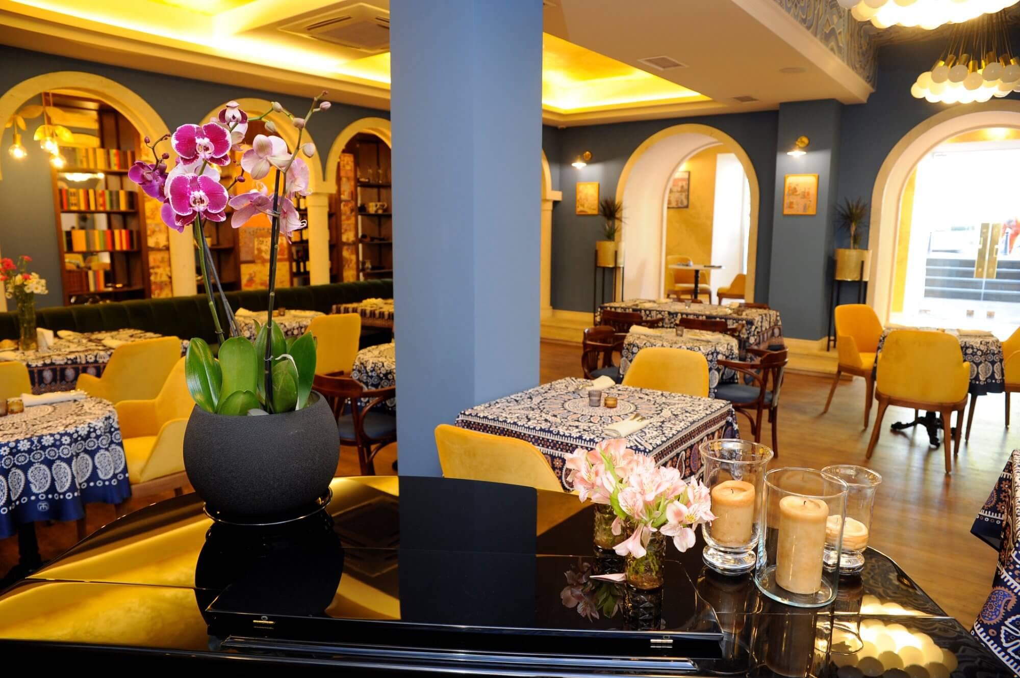 Cafe Rustaveli, Тбилиси, Грузия, кафе и рестораны Тбилиси