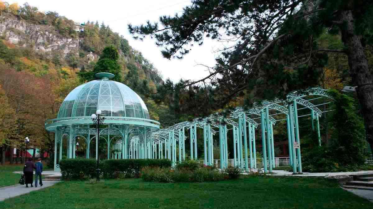 Боржоми, Грузия, Боржомский парк, Боржомское ущелье, горы Боржоми