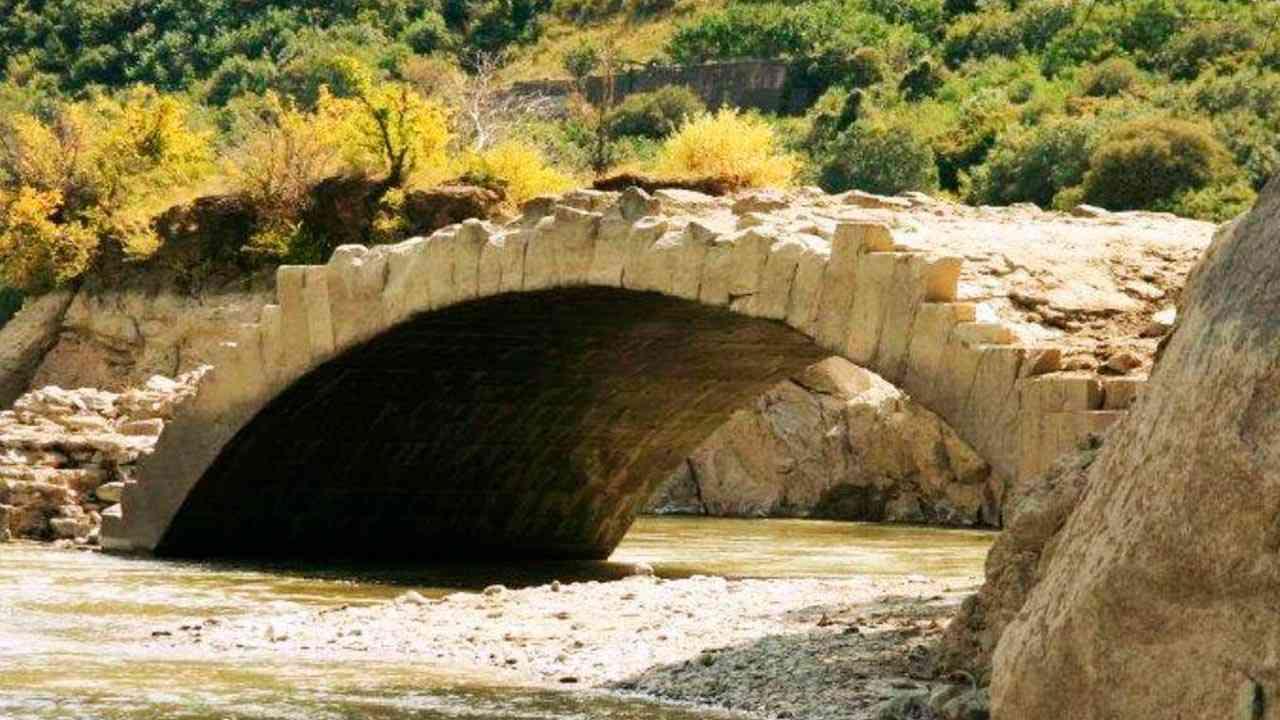 мост Помпея, Мцхета, Грузия