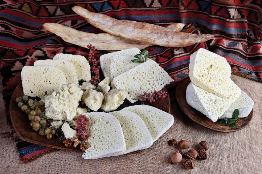 Восточной Грузинский сыр